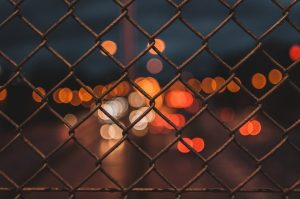 fence-2564585_1920